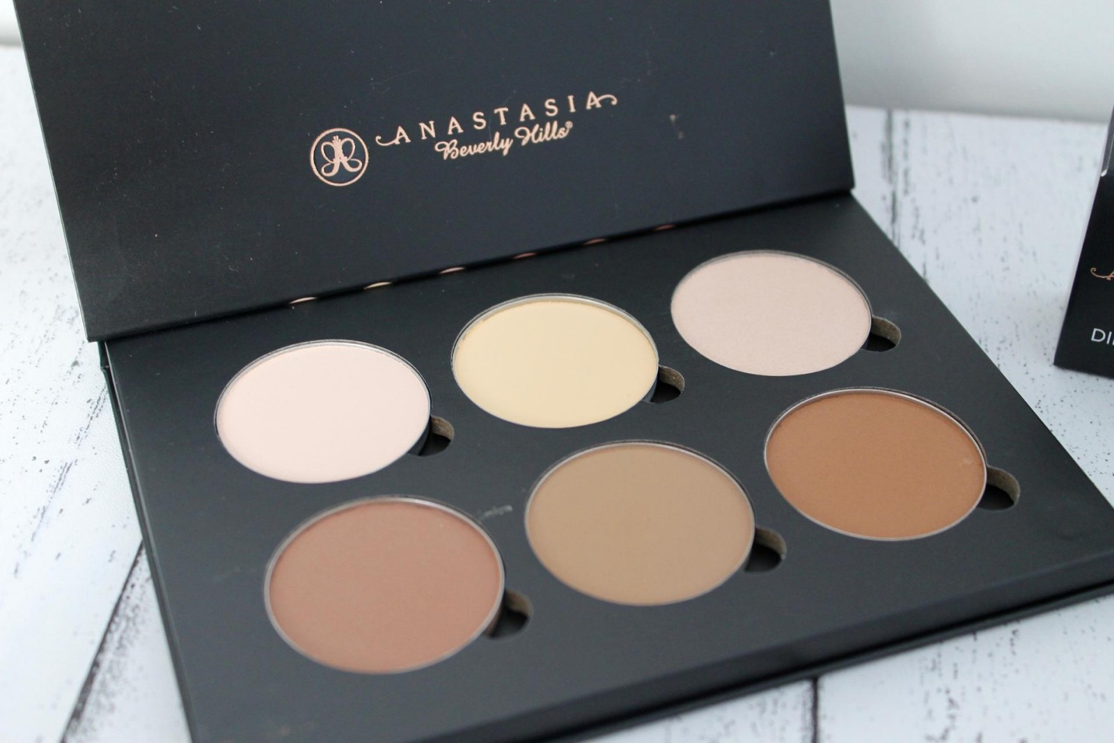 Anastasia Beverly Hills Review 3